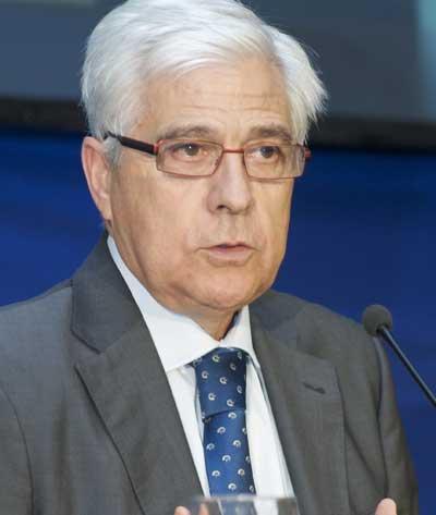Gonzalo Arguilé en el congreso de colonización en Ejea