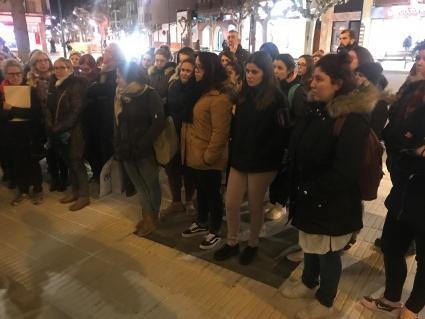 """Ejea grita """"Ni un paso atrás"""" y apoya la convocatoria de mujeres contra las políticas del PP y Vox"""