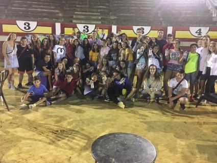 Los jóvenes de Ejea pasan un verano de cine en la Jaima